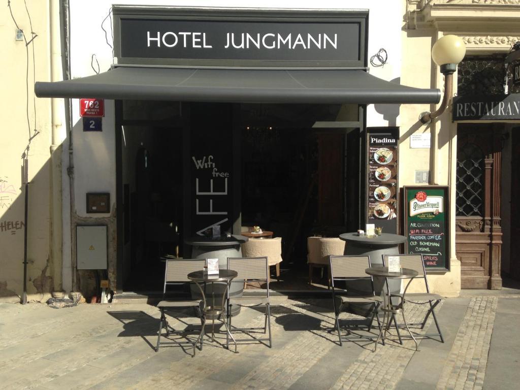 Een restaurant of ander eetgelegenheid bij Jungmann Hotel