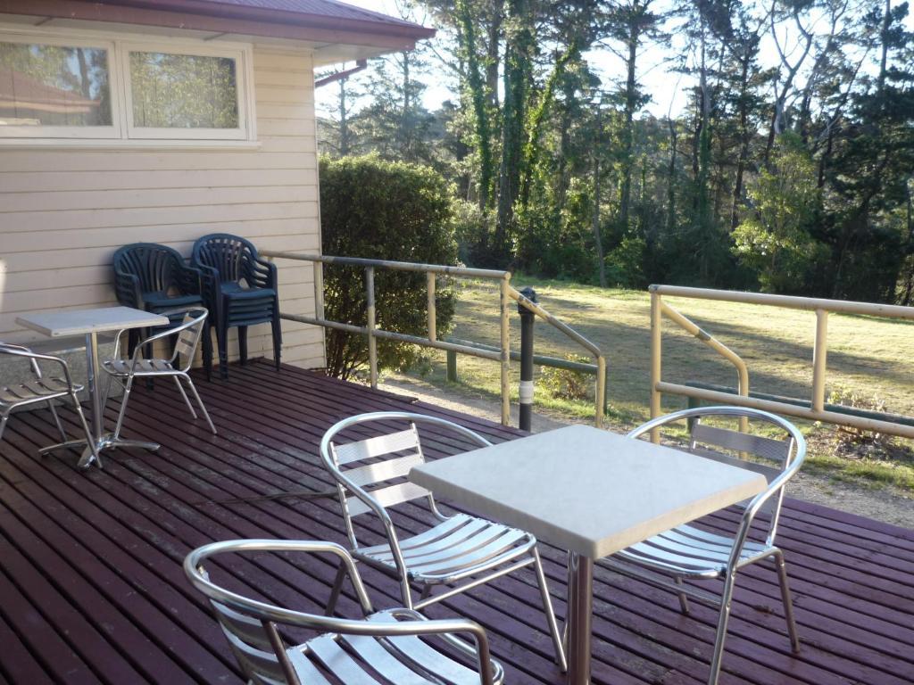 A balcony or terrace at Blackheath Holiday Cabins