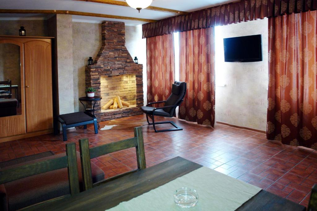 Телевизор и/или развлекательный центр в отель Кавказ