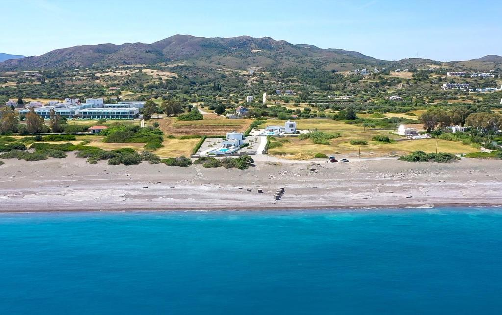 Aegean Horizon Beachfront Villas tesisinin kuş bakışı görünümü