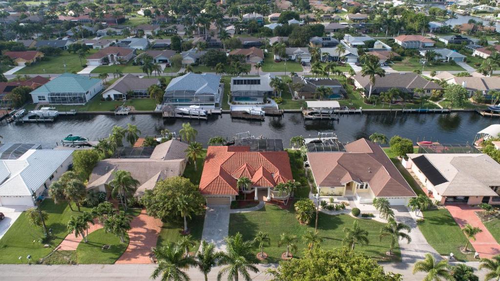 Blick auf Waterfront Villa ID5218 aus der Vogelperspektive