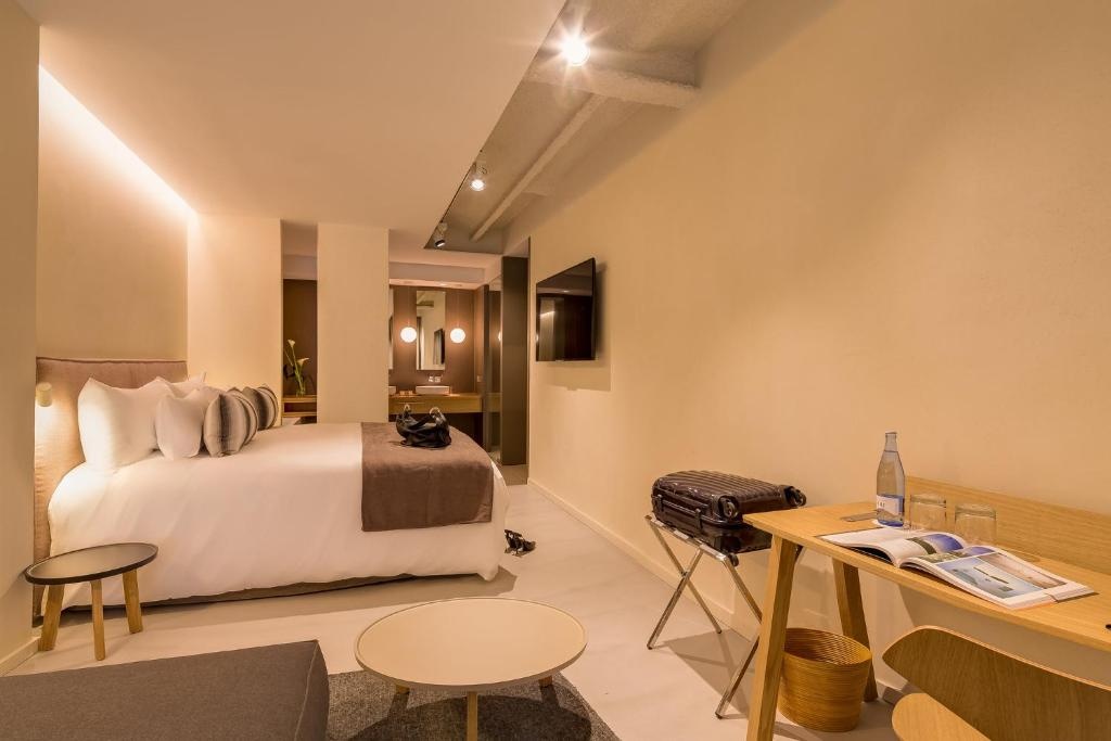 boutique hotels in barcelona  64
