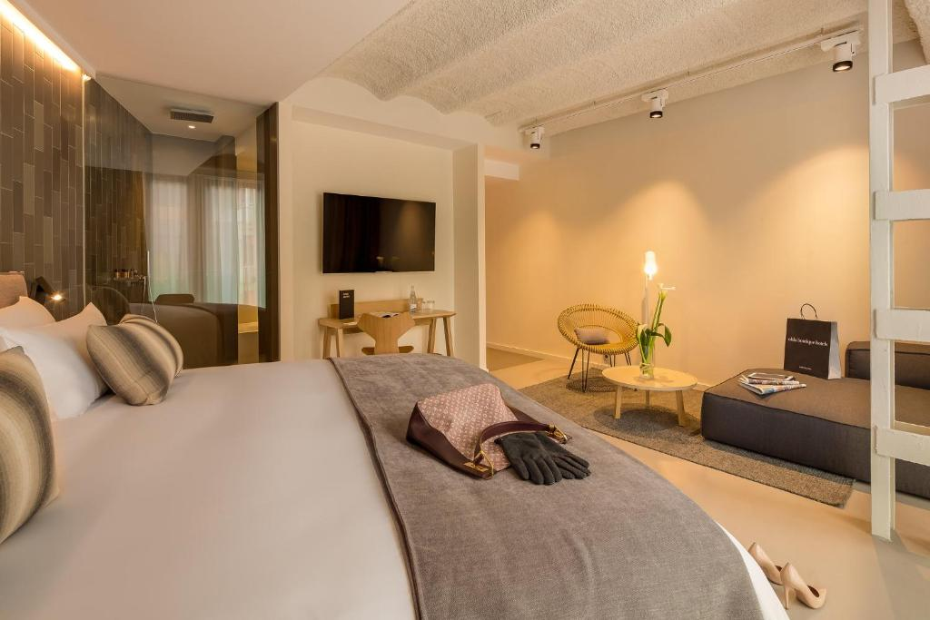 boutique hotels in barcelona  54