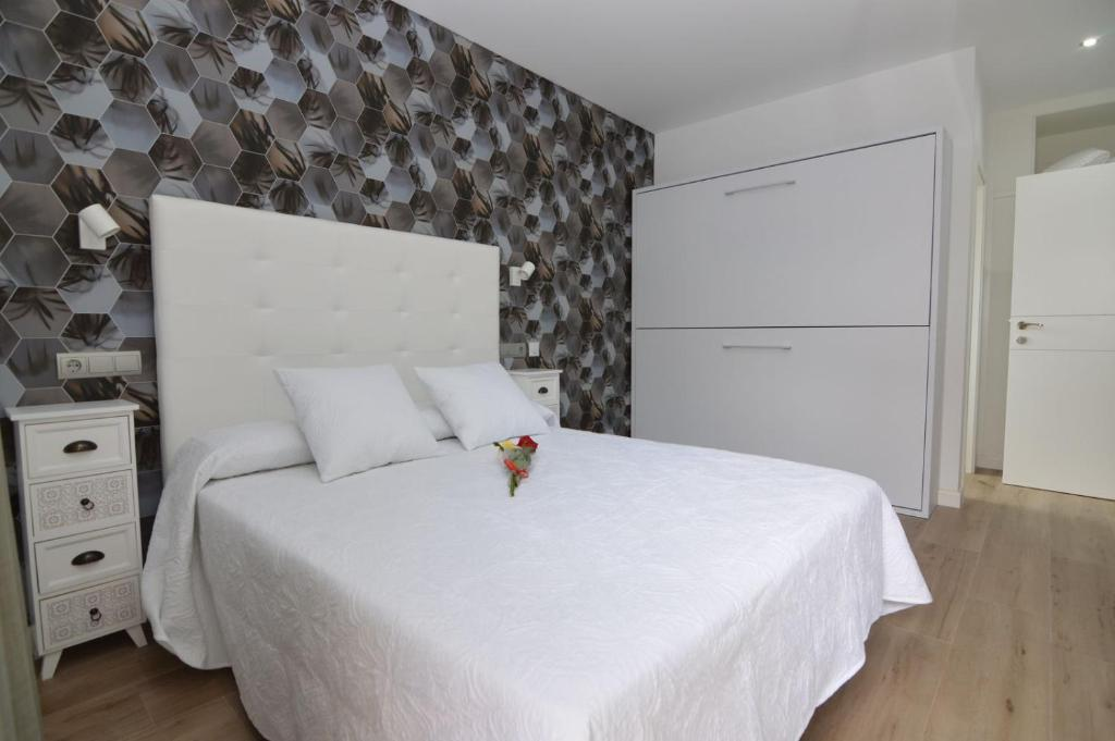 Cama o camas de una habitación en Hotel Castillo Benidorm