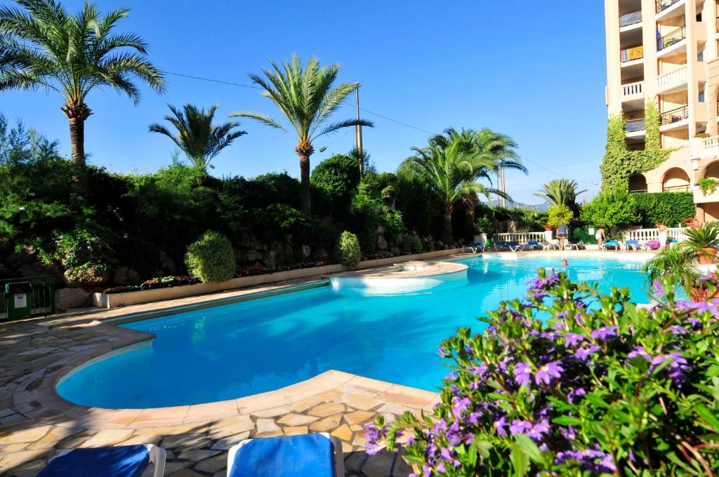 The swimming pool at or close to Residhotel Villa Maupassant