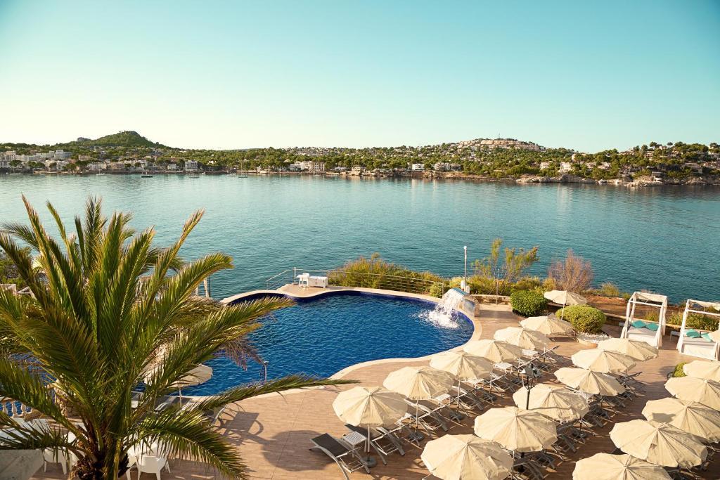 Widok na basen w obiekcie Sentido Fido Punta del Mar Hotel & Spa - Adults Only lub jego pobliżu