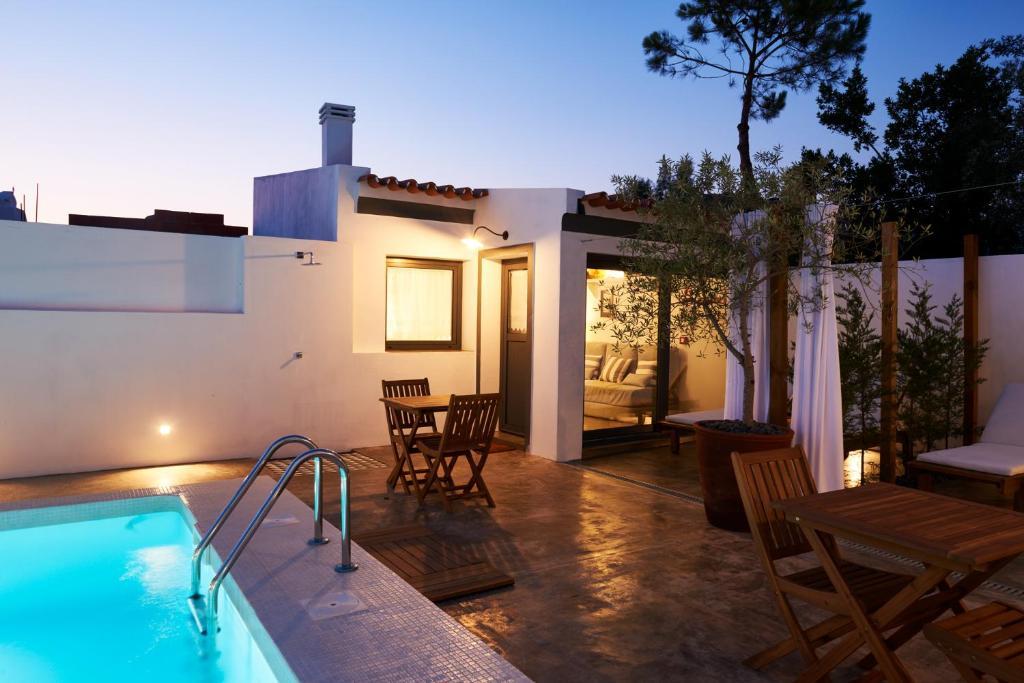 A piscina em ou perto de CALMA Casa Carpa & Casa Branco