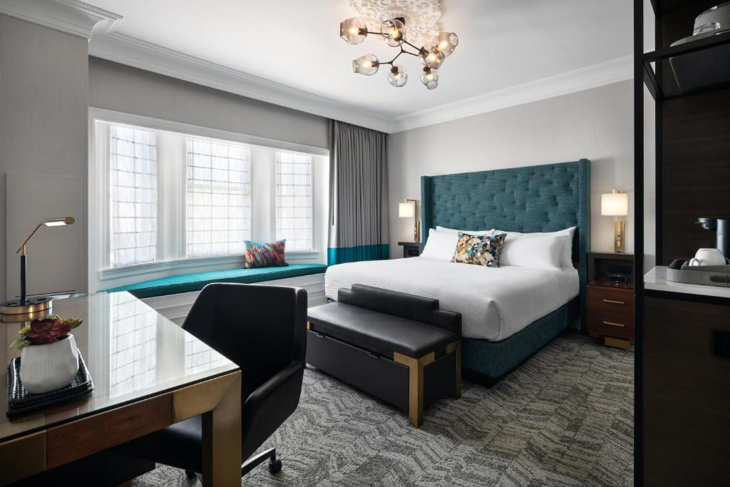 A room at the Courtyard by Marriott San Francisco Downtown Van Ness Avenue.