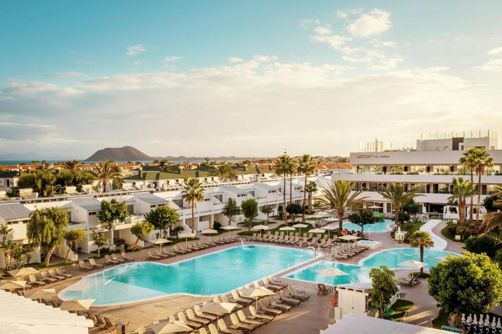 Uitzicht op het zwembad bij Playa Park Zensation of in de buurt