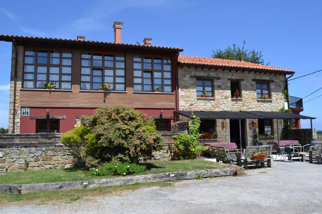 Apartamentos Rurales La Cirigüeña