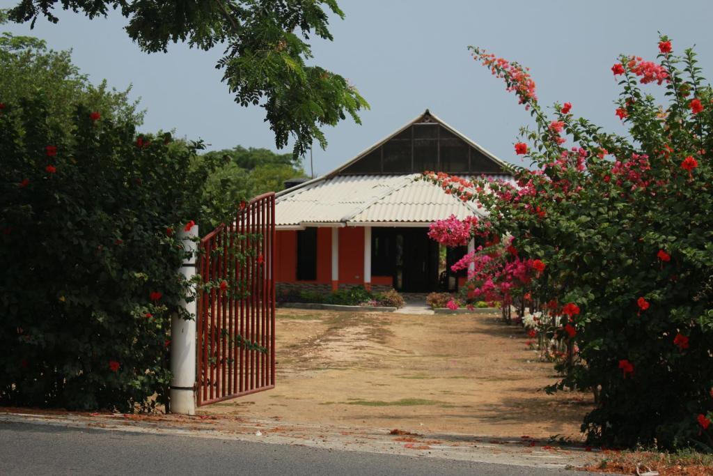 Kamwara Hostel