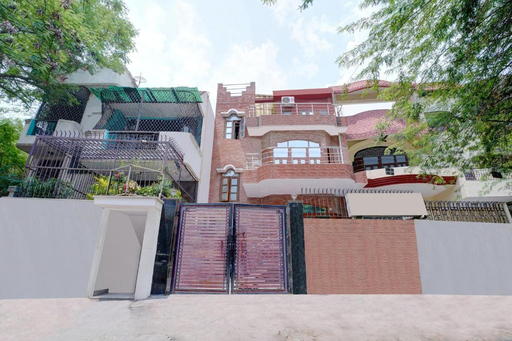 Comfort Homestay in Delhi