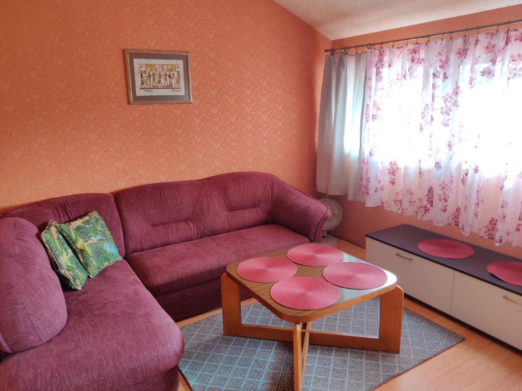 Posedenie v ubytovaní Guest house Ošia