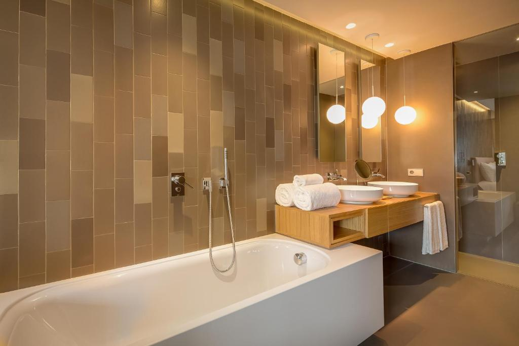 boutique hotels in barcelona  52