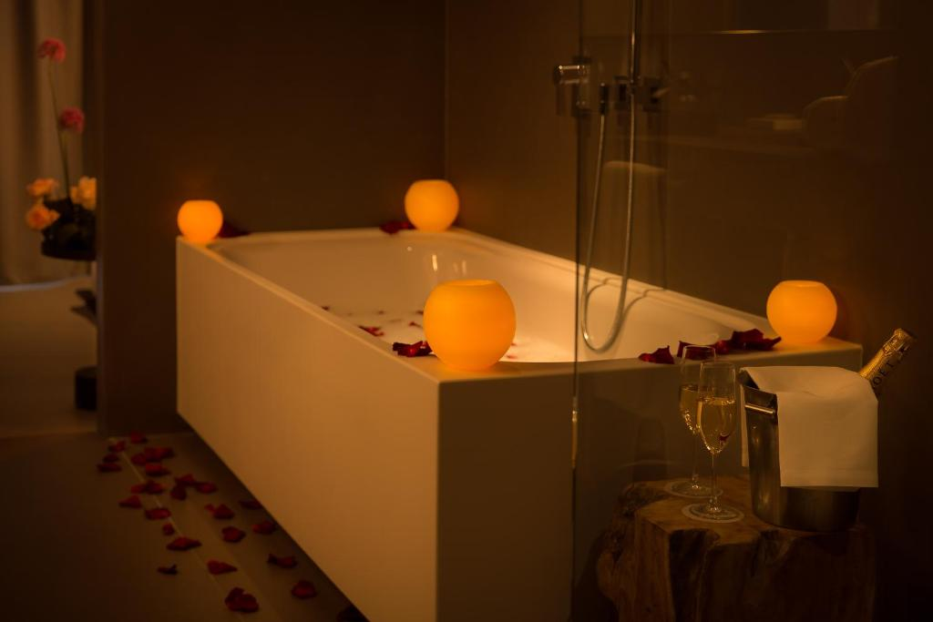 boutique hotels in barcelona  57