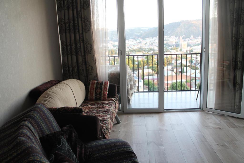 Апартаменты тбилиси купить квартиру в дубае недорого у моря