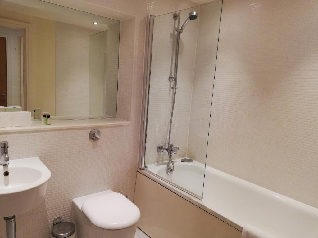Spacious Canary Wharf Serviced Apartments - Laterooms