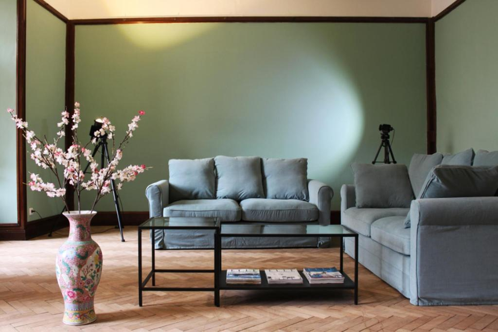 Area soggiorno di Temporary Guest House