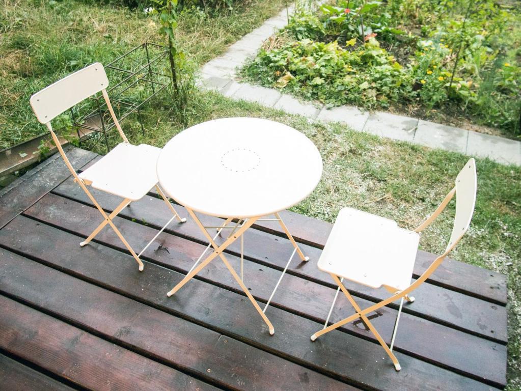 Comfy garden studio