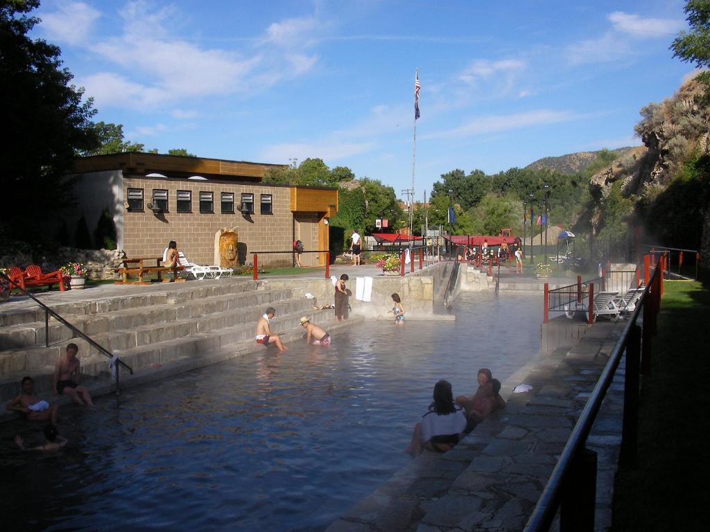 Riverside Hot Springs Inn & Spa - Adults Only