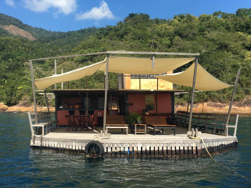 Casa Flutuante Ilha Grande RJ