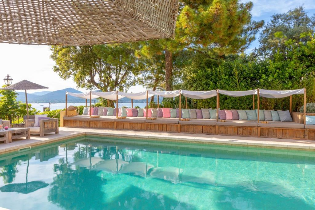 The swimming pool at or close to La Bastide d'Antoine
