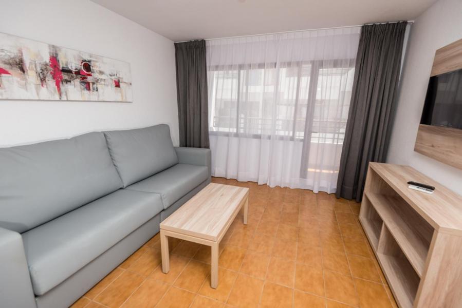 Colibrí Cartas credenciales Final  Apartments Niko, Santa Eularia des Riu – Updated 2021 Prices