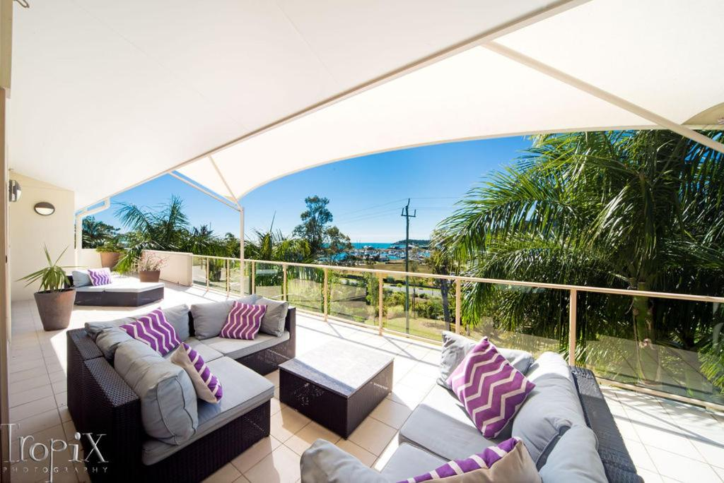 A balcony or terrace at Le Jarden Penthouse - Airlie Beach