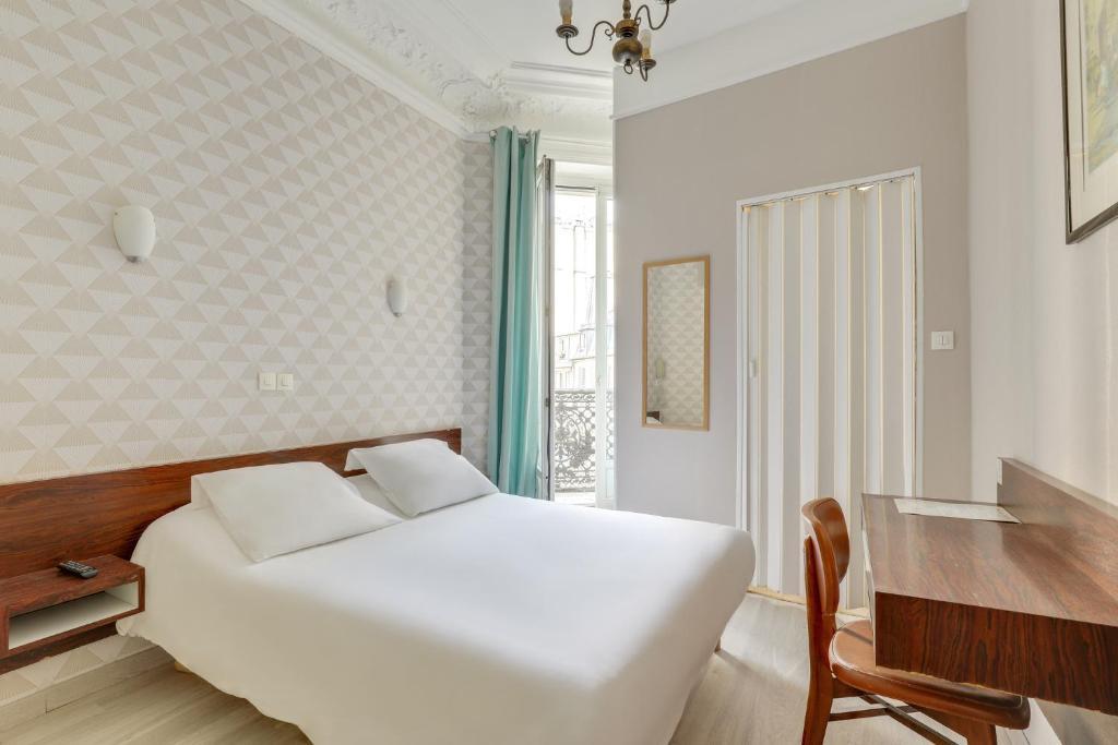 Hotel Des 3 Nations Paris, France