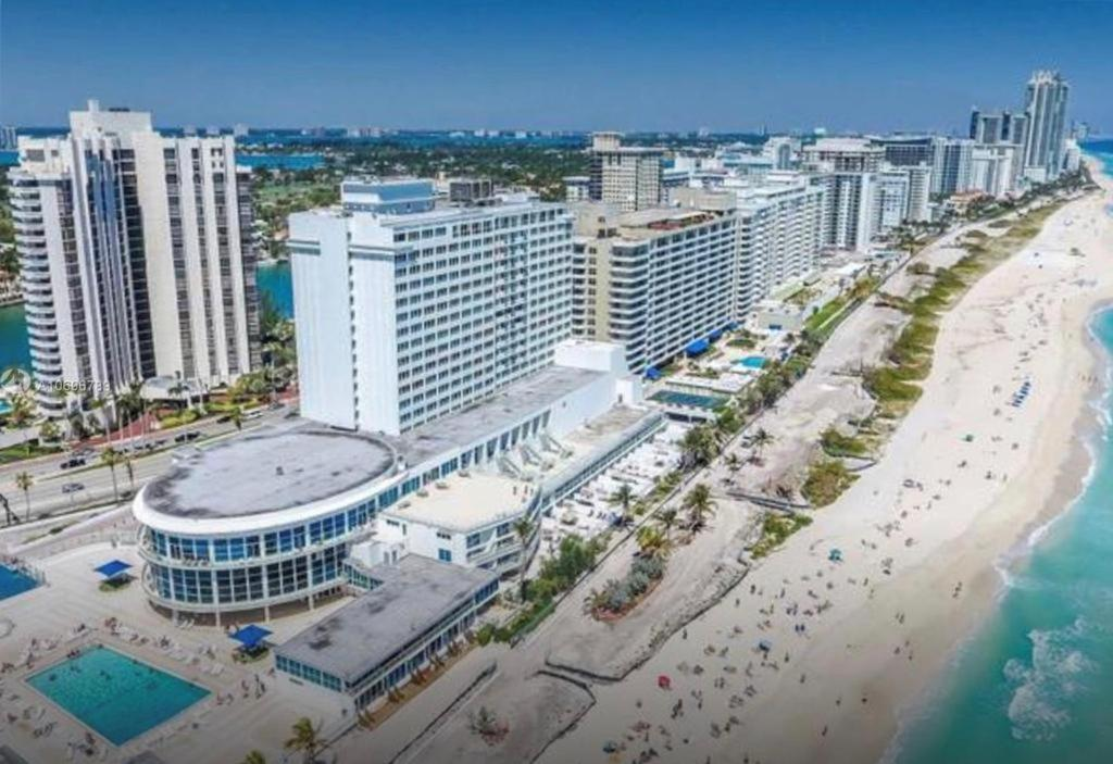 Castle Beach Club Apartments, Miami Beach – Updated 2021 Prices