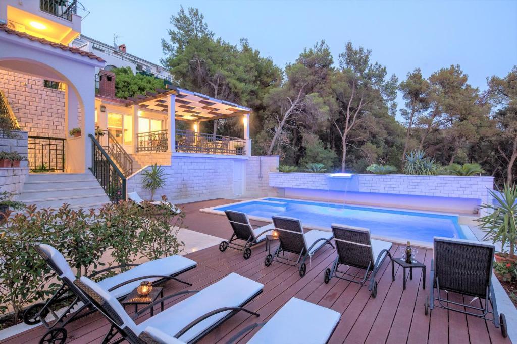 Bazen u objektu Villa Fani - Apartments in Trogir ili u blizini