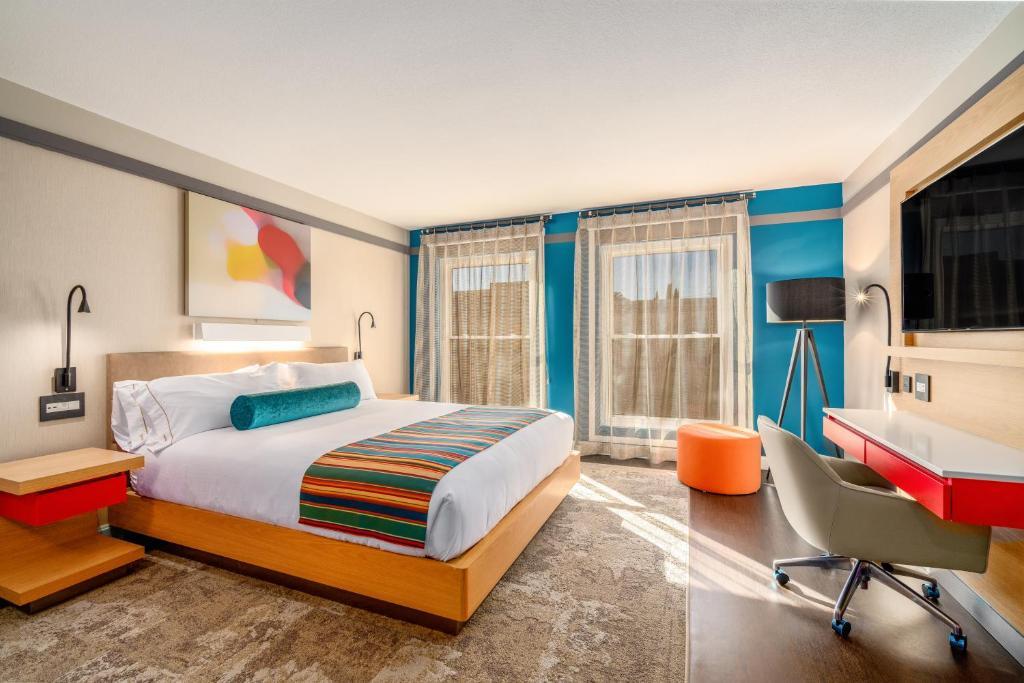 A room at the Century Park Hotel LA.