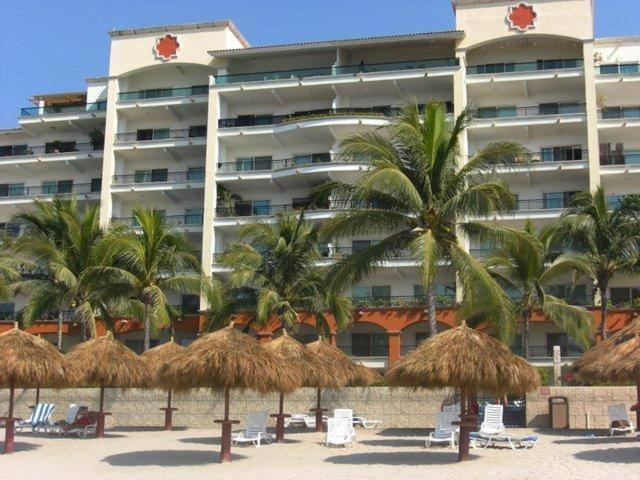 2 Br Five Star Playa Royale Residences Building