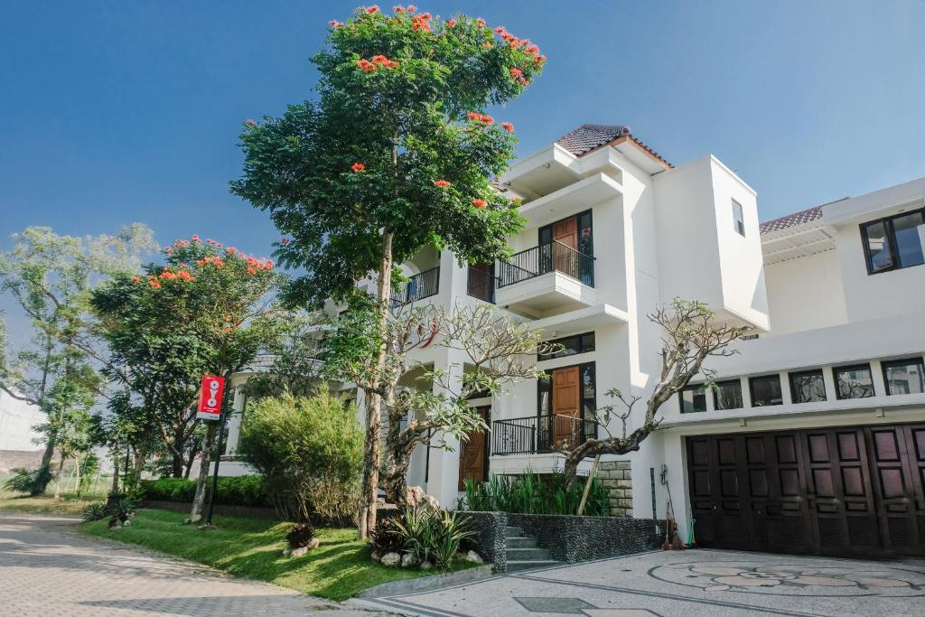 Hotel Oyo 1110 Ijen Butik House Malang Indonesia Booking Com