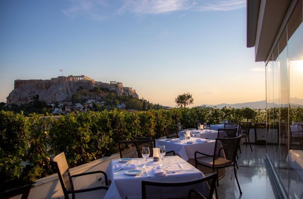 A restaurant or other place to eat at Electra Palace Athens