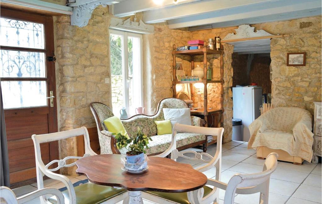 Holiday Home Marquise La Longère En Pierres