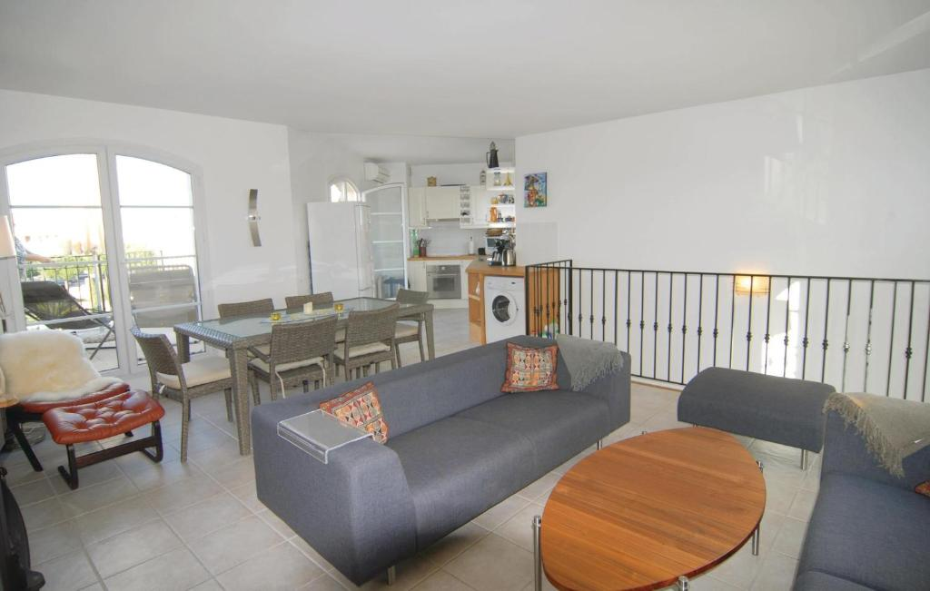A seating area at Holiday Home Aigues-Mortes with Sea View 02