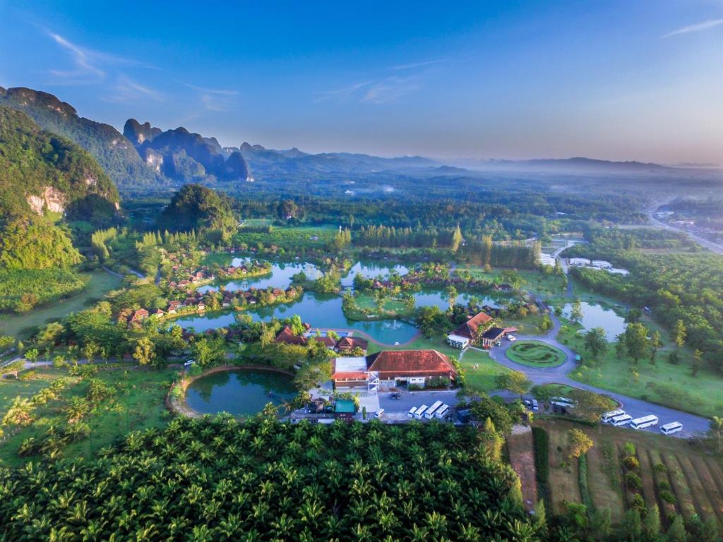 A bird's-eye view of Bor Saen Villa & Spa