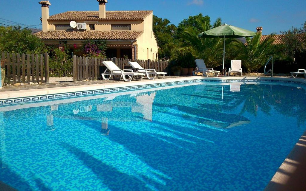 The swimming pool at or near Finca El Corral