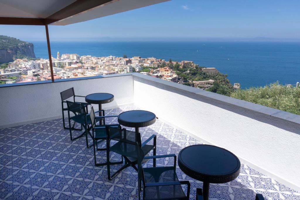 Appartamento In Villa Ariel Vico Equense Italy Booking Com