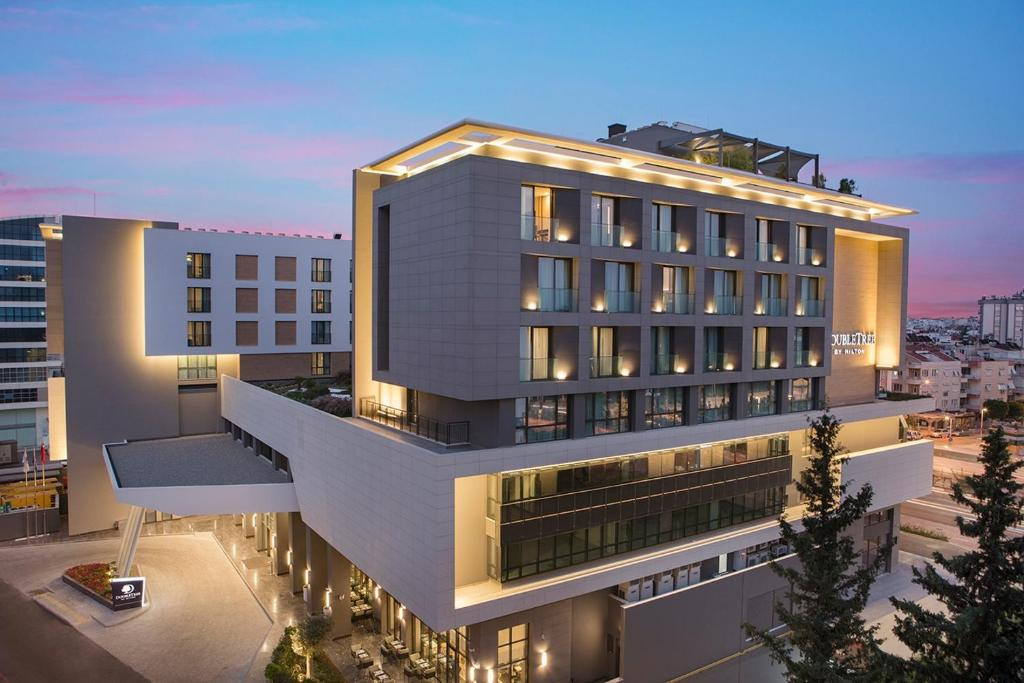 Doubletree By Hilton Antalya City Centre, Анталья - обновленные цены 2021  года