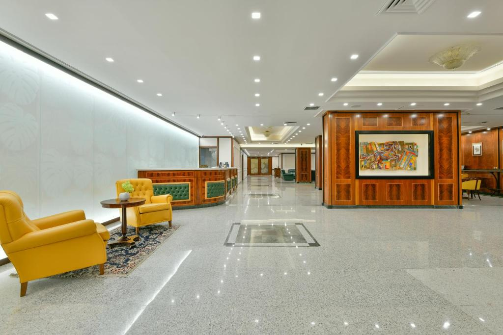 The lobby or reception area at Best Western Hotel Ferrari