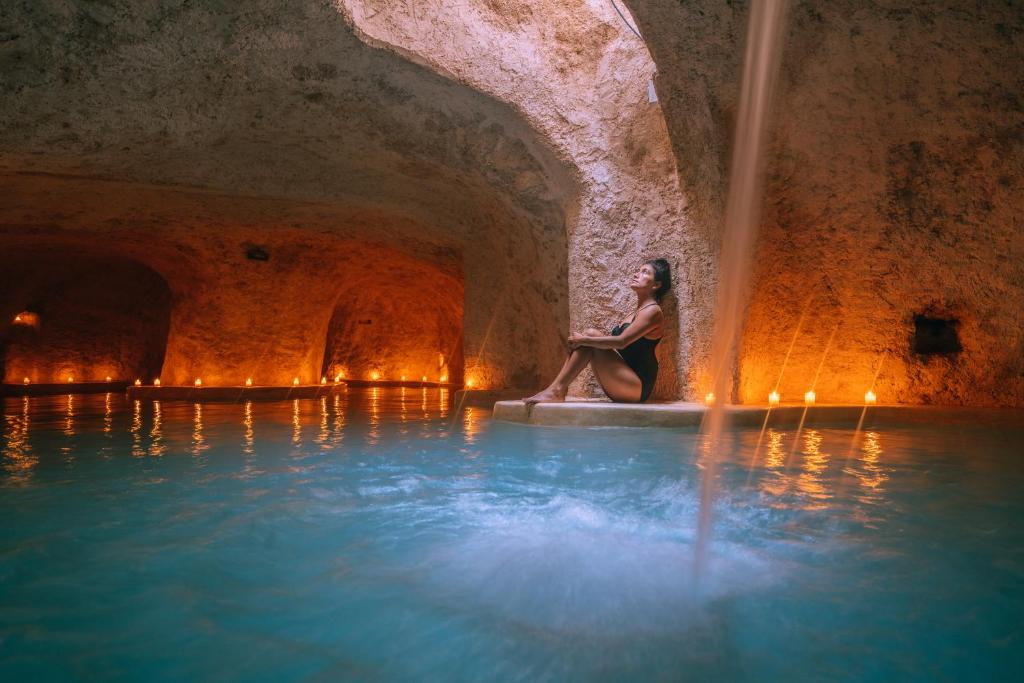Der Swimmingpool an oder in der Nähe von Hotel Zentik Project & Saline Cave