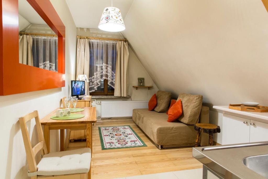 Część wypoczynkowa w obiekcie udanypobyt Apartament Zamoyskiego Centrum