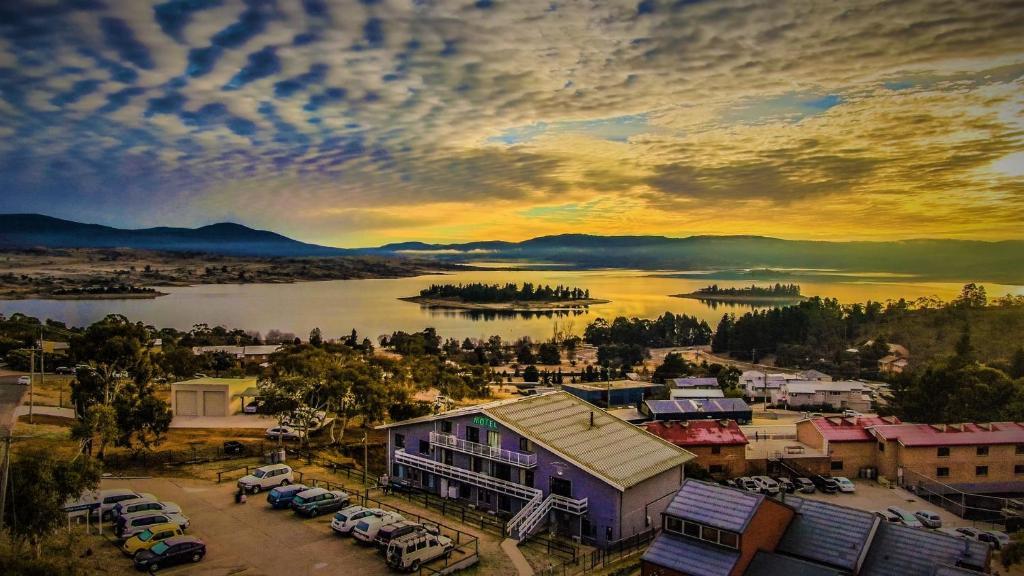 A bird's-eye view of Alpine Resort Motel