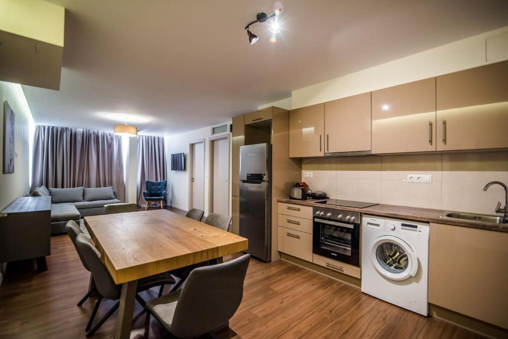Modern Luxury Home 74qm 3 Rooms In The Heart Of Monastiraki Athens Updated 2020 Prices