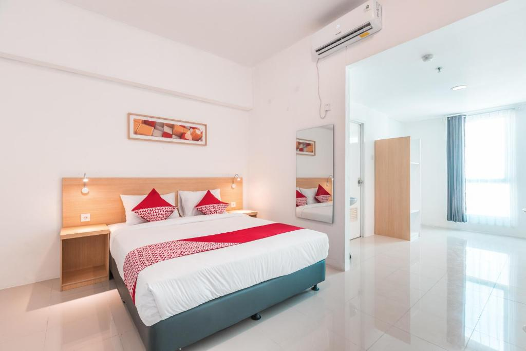 Hotel Oyo Flagship 1170 The Habitat Tangerang Indonesia Booking Com