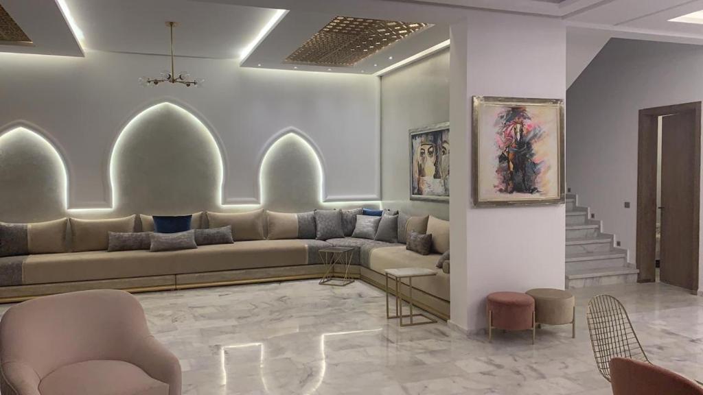 A seating area at Dar Rekik Argan golf resort Villa