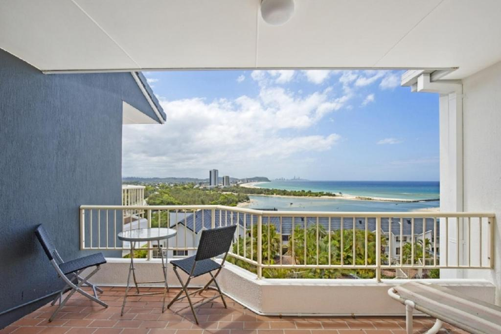 A balcony or terrace at The Hill Apartments Currumbin Beach