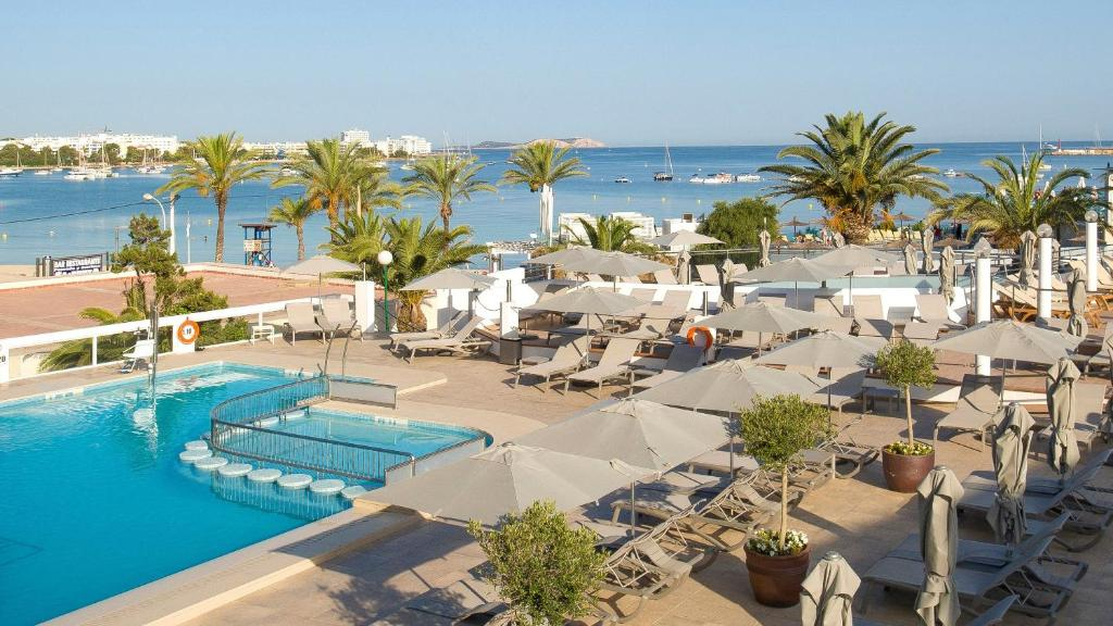 A view of the pool at Bellamar Hotel Beach & Spa or nearby
